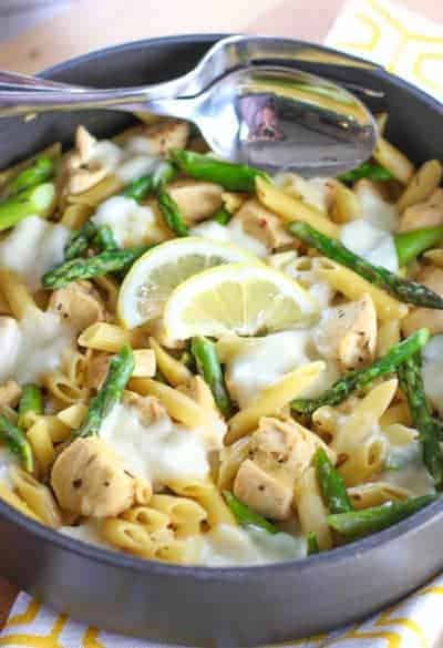 One Pot Lemon, Chicken and Asparagus Skillet