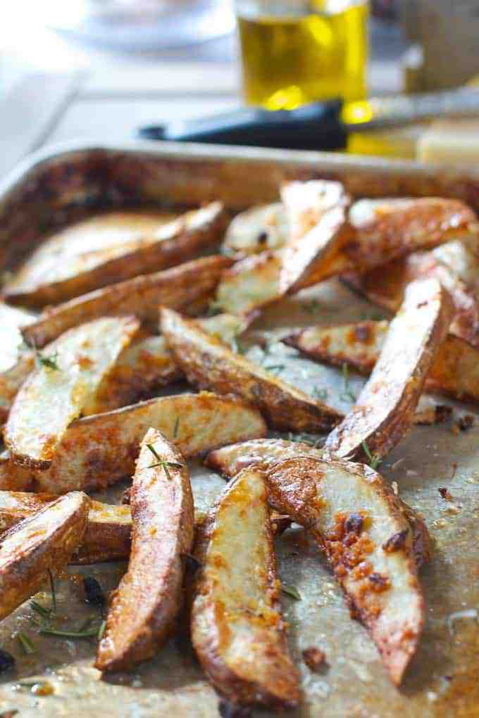 Baked Garlic and Parmesan Potato Wedges