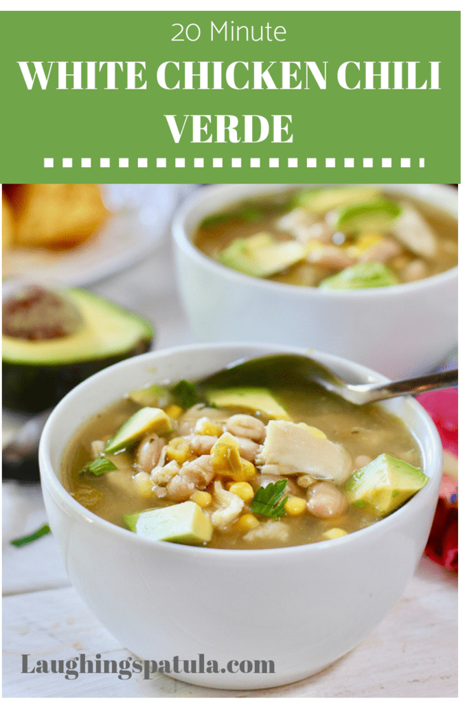 This delicious soup is low in calories and only takes 20 minutes to make. #easydinner #chili #dinnerrecipes #weightwatchers #easymeal #onepotmeal