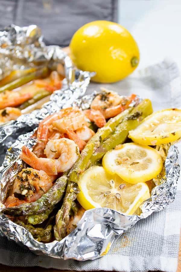shrimp and asparagus with lemon in foil packet