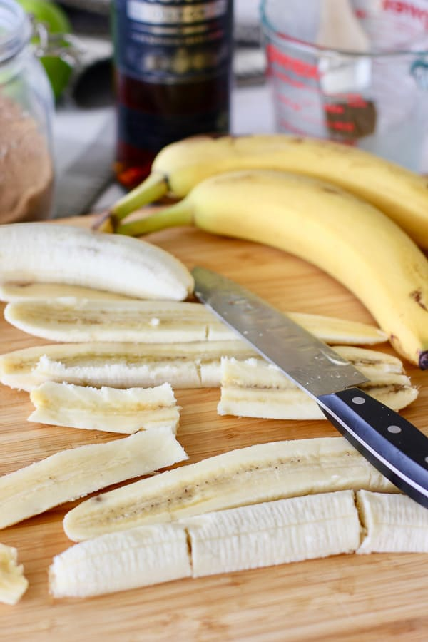 how to slice a banana for banana foster cake
