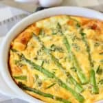 crustless quiche in a white pie pan
