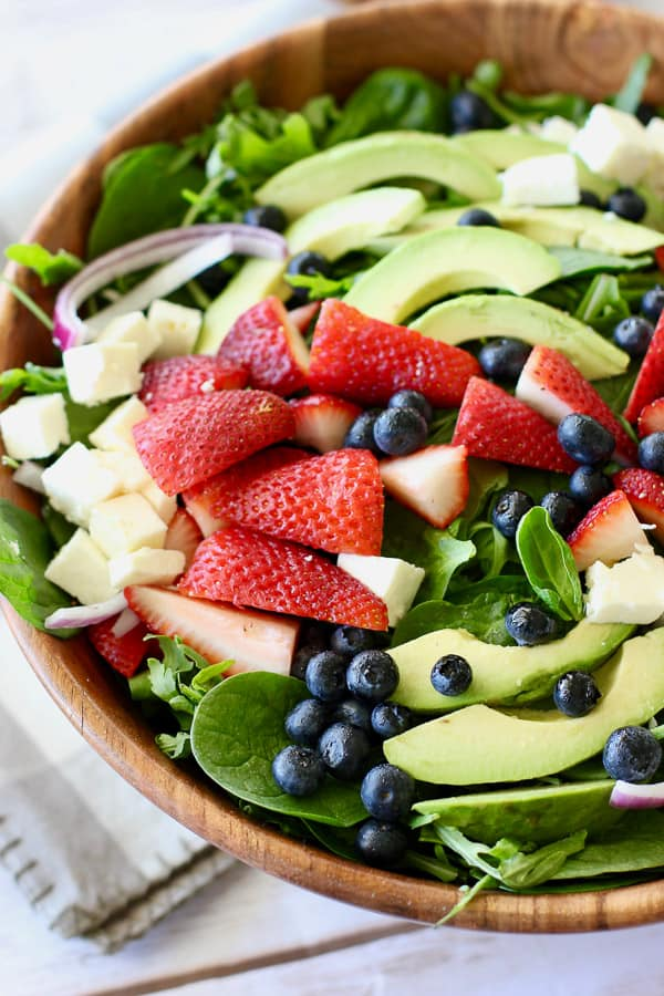 fresh strawberry spinach salad ready to serve
