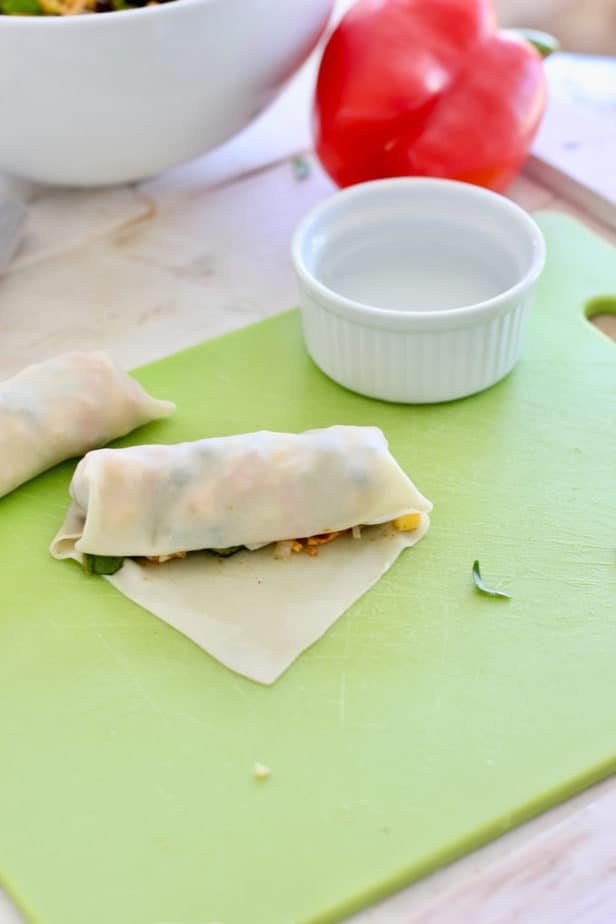 How to roll southwest egg rolls